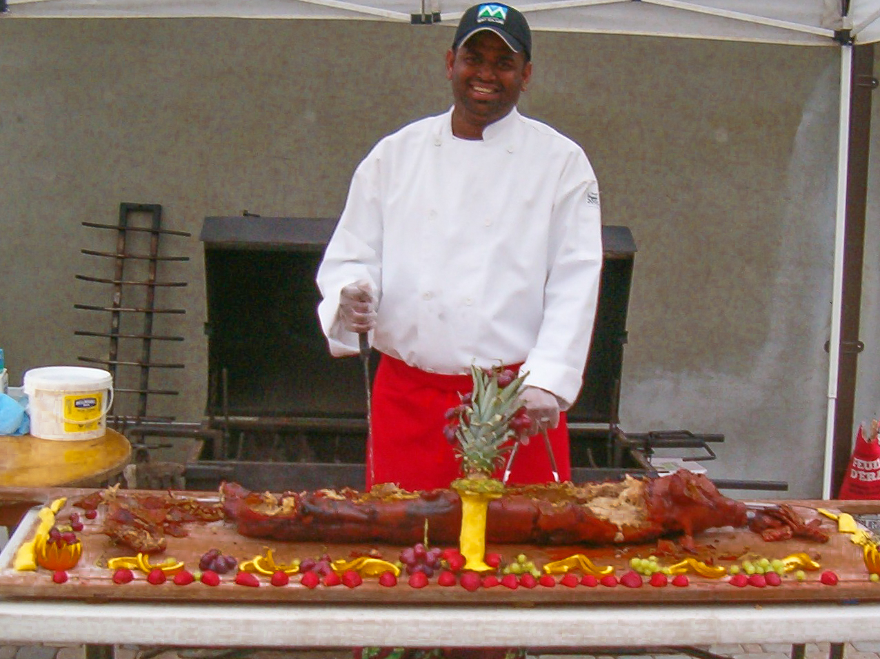 Raf carving a pig (1)